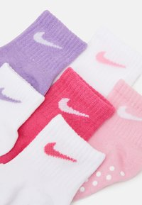 Nike Sportswear - POP COLOR GRIPPER INFANT TODDLER ANKLE 6 PACK - Ponožky - pink - 1