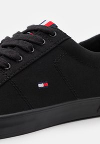 Tommy Hilfiger - Trainers - black - 5