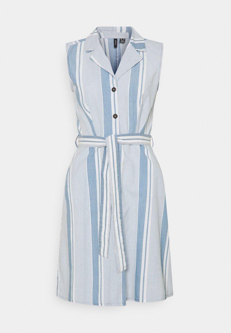 Vero Moda Tall - VMAKELASANDY CHAMBRAY SHORT - Shirt dress - light blue denim/white