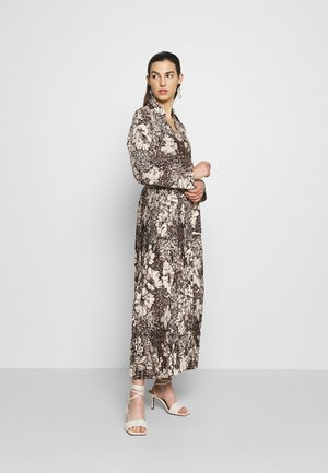 SLFZURI  - Maxi dress - sandshell