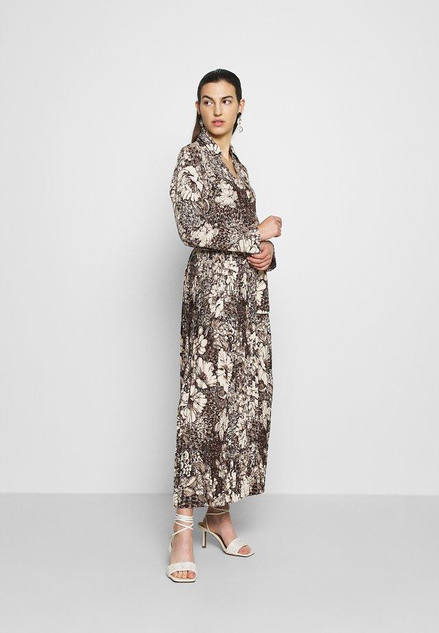SLFZURI  - Robe longue - sandshell