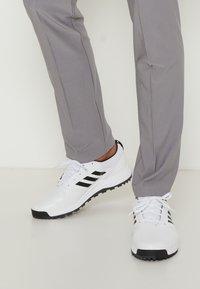 adidas Golf - TRAXION - Golf shoes - footwear white/core black/grey six - 0