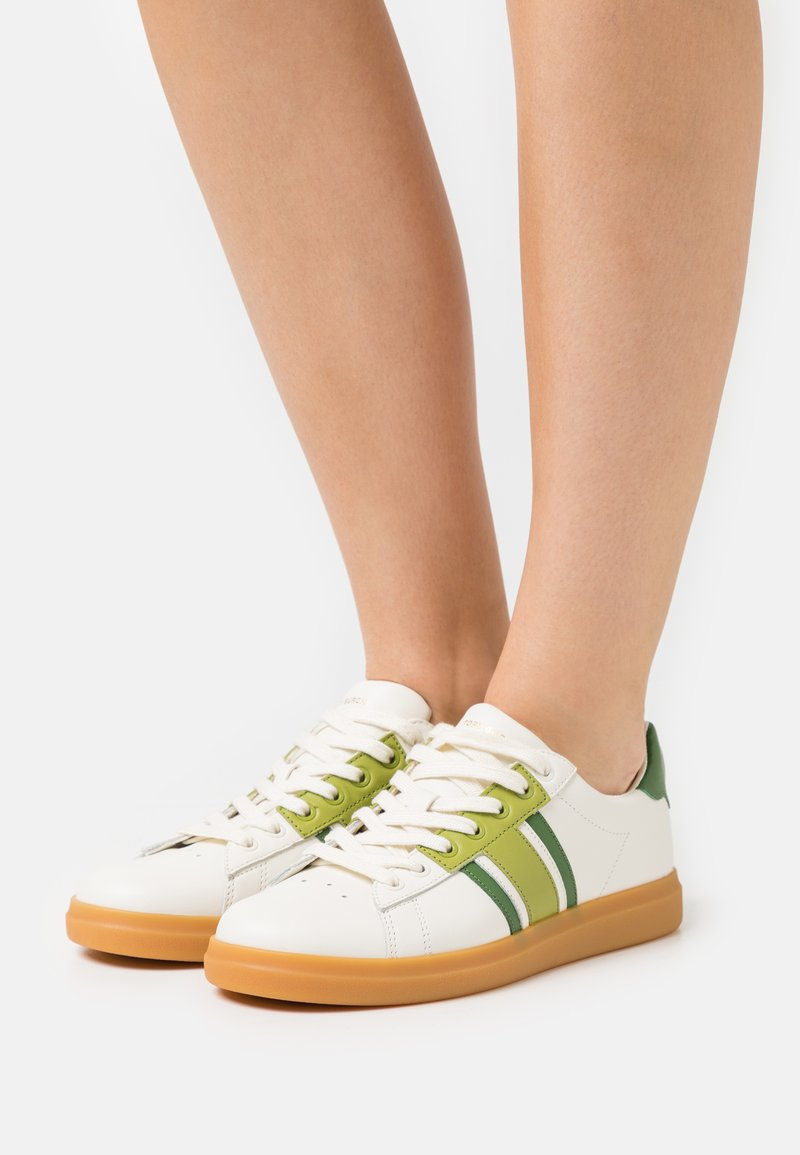 Tory Burch - HOWELL COURT - Tenisky - new ivory/sport spinach green