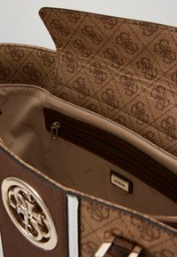 Guess - OPEN ROAD  - Bolso shopping - brown - 3