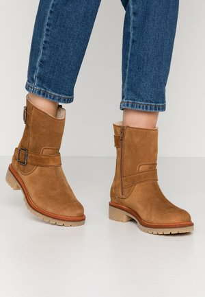 Winter boots - nut