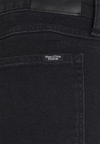 Marc O'Polo DENIM - FREJA BOYFRIEND - Slim fit jeans - black - 6