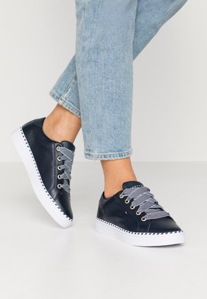 NAUTICAL LACE UP SNEAKER - Trainers - desert sky