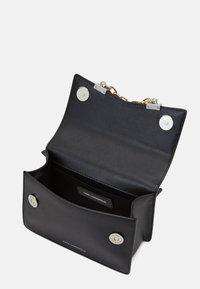 KARL LAGERFELD - SEVEN MINI SHOULDERBAG - Handbag - black - 3