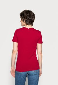 Tommy Hilfiger - COOL SOLID ROUND - T-shirt basic - red - 2