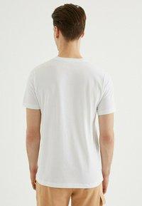 WESTMARK LONDON - SAND - Print T-shirt - white - 2