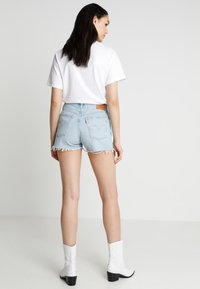Levi's® - 501 HIGH RISE - Shorts vaqueros - weak in the knees - 2