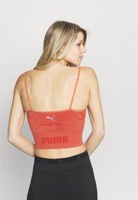 Puma - EVOKNIT SEAMLESS CROP - Sportshirt - autumn glaze - 2