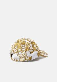 Versace Jeans Couture - UNISEX - Cap - white/gold - 3