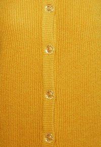 Who What Wear - MOCK NECK CARDIGAN - Kardigan - mustard - 2
