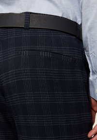 Ben Sherman Tailoring - MIDNIGHT TEXTURED CHECK SUIT - Completo - navy - 9
