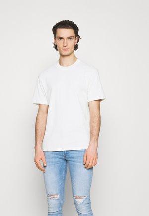 JPRBLAPEACH TEE CREW NECK - Basic T-shirt - egret