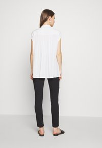Missguided Maternity - OVER BUMP VICE SUPERSTRETCHY - Jeans Skinny Fit - black - 2