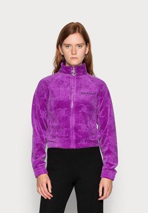TANYA MONO TRACK - Sweater met rits - sparkling grape
