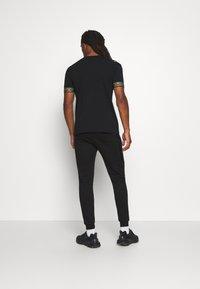 Glorious Gangsta - SHERWIN - Pantaloni sportivi - black - 2