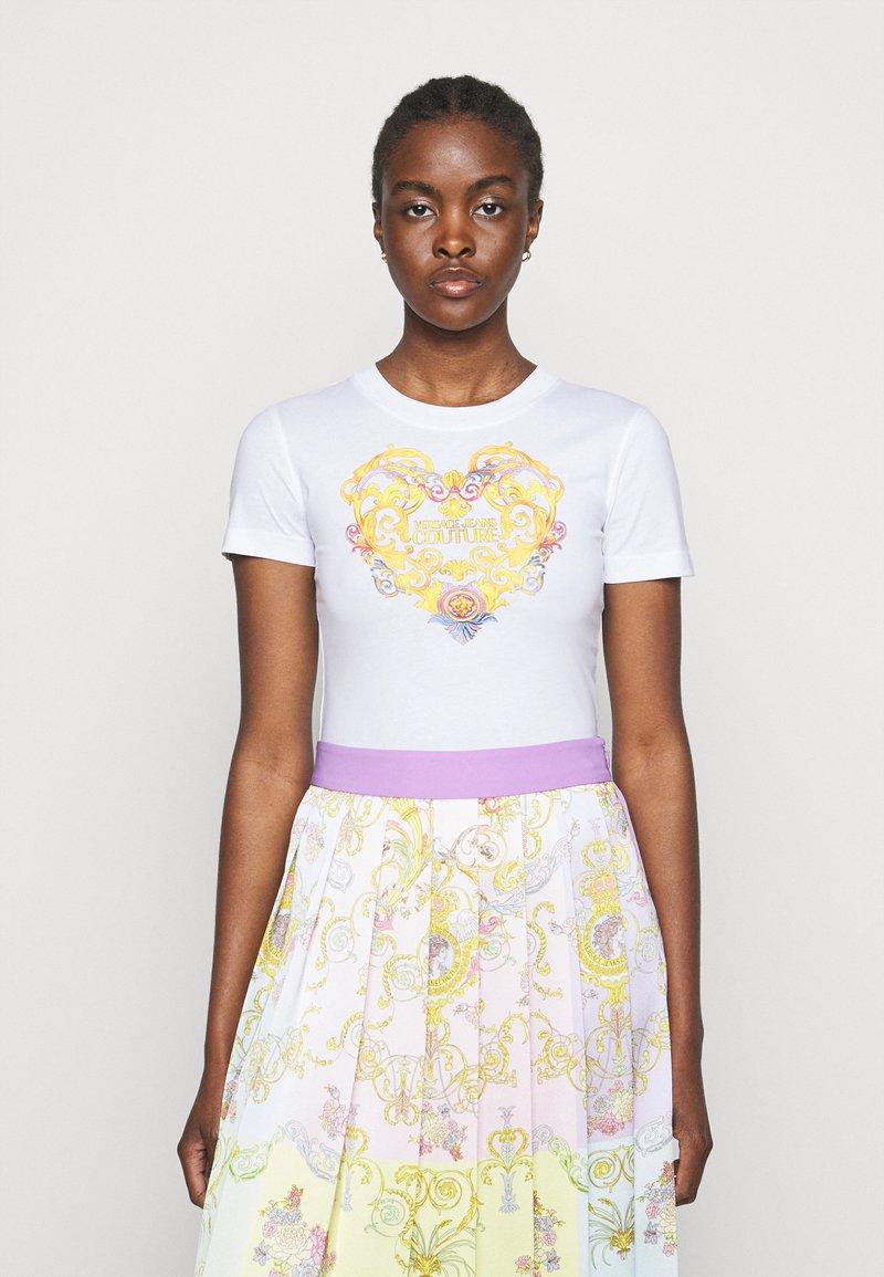 Versace Jeans Couture - TEE - Triko spotiskem - optical white