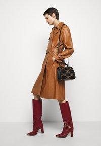 Alberta Ferretti - Trenchcoat - brown - 4