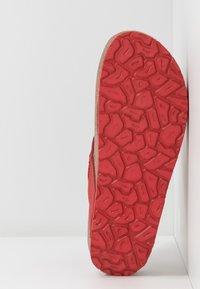 Panama Jack - QUINOA NACAR - Sandály s odděleným palcem - rot - 6