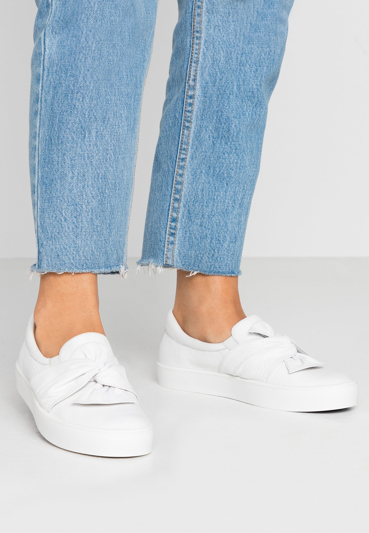 Caprice Mocassins - white