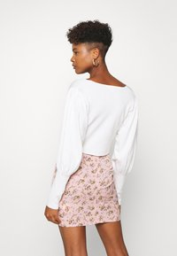 Missguided - BALLOON SLEEVE CROPPED CARDIGAN - Cardigan - white - 2