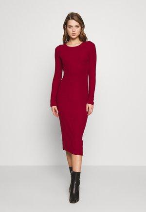 BASIC - Vestido ligero - dark red