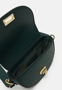 Forever New - ANNA STRUCTURED CRESCENT SADDLE - Across body bag - forest green - 2