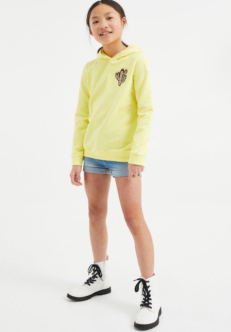 WE Fashion - REGULAR FIT - Hoodie - yellow