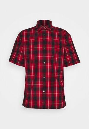 PLAID SHORT SLEEVE SHIRT - Shirt - red