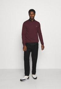 GANT - CREW - Stickad tröja - port red - 1