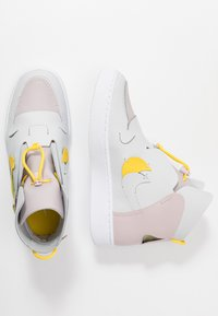 Nike Sportswear - VANDAL - Baskets montantes - platinum violet/speed yellow/photon dust/white - 3