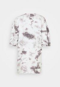 Missguided - PLAYBOY TIE DYE OVERSIZED DRESS - Vestido ligero - charcoal - 1
