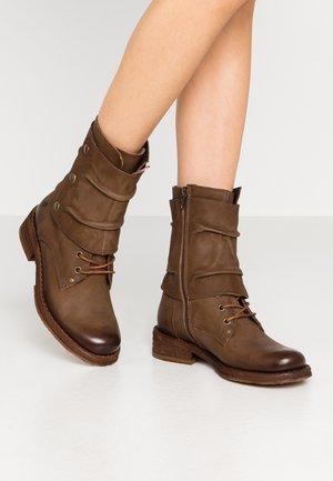 COOPER - Kovbojské/motorkářské boty - morat cobre