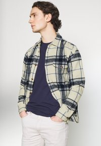 Abercrombie & Fitch - PLAID JACKET - Summer jacket - cream - 3