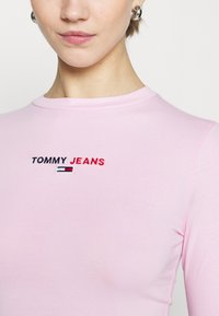 Tommy Jeans - LINEAR LOGO BODY - Maglietta a manica lunga - romantic pink - 5
