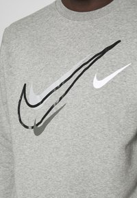 Nike Sportswear - SOS CREW - Sweatshirt - grey heather - 5