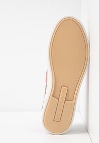 MICHAEL Michael Kors - IRVING STRIPE LACE UP - Trainers - natural - 6