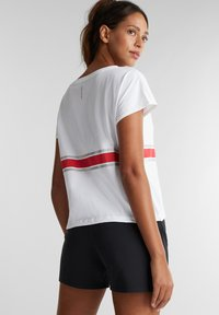 Esprit Sports - Print T-shirt - white - 2