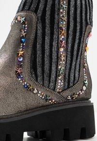Alma en Pena - Platform ankle boots - pewter - 2