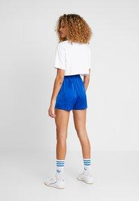 adidas Originals - Shorts - collegiate royal - 2