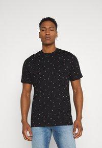 Only & Sons - ONSMALIK LIFE TEE - T-shirt med print - black - 0