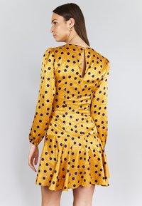 True Violet - Korte jurk - yellow, dark blue - 2