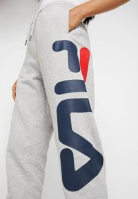 Fila Tall - PURE PANTS - Tracksuit bottoms - light grey melange - 4