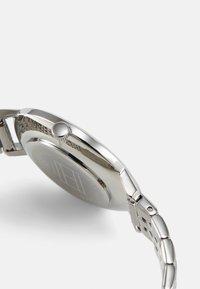 Tommy Hilfiger - DRESSED UP - Klokke - silver-coloured - 2