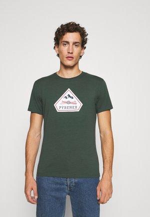 KAREL - T-shirt print - baltic green