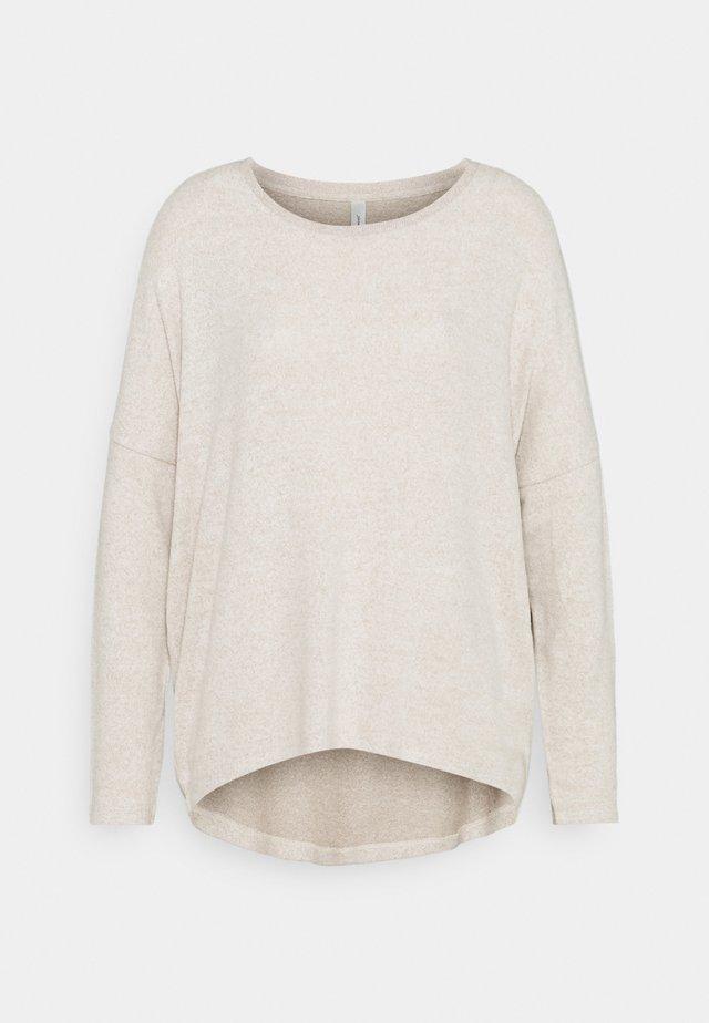 BIARA - Stickad tröja - cream