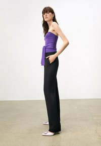 Uterqüe - FLOWING  - Trousers - black - 5